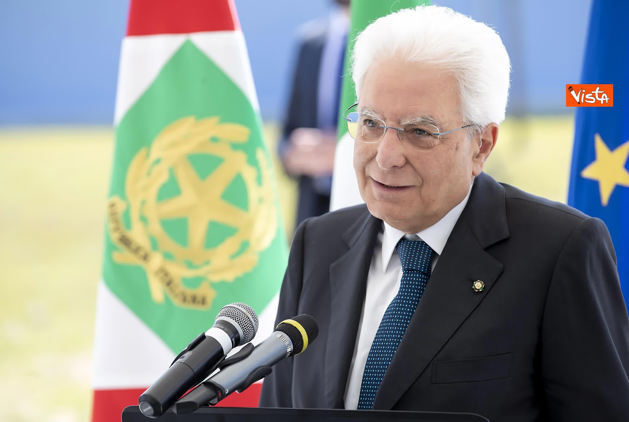 18-07-19 Il Presidente Mattarella visita l'Istituto omnicomprensivo Romolo Capranica di Amatrice_09