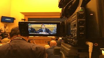 8 - Di Maio e Fraccaro in conferenza stampa a Montecitorio su riforme costituzionali