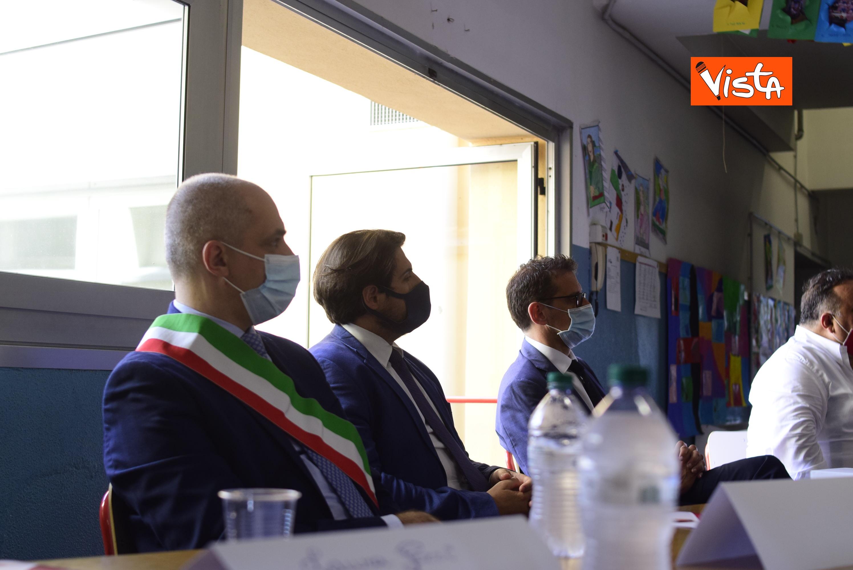 10-07-20 Scuola Nasce il progetto Carugo per la riapertura in sicurezza a settembre della scuola_08