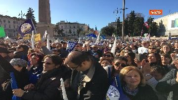 10 - Salvini interviene dal palco alla manifestazione della Lega in piazza del Popolo