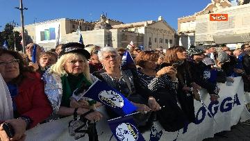 4 - Salvini interviene dal palco alla manifestazione della Lega in piazza del Popolo