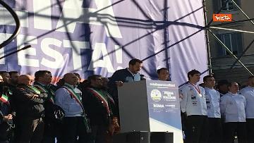7 - Salvini interviene dal palco alla manifestazione della Lega in piazza del Popolo