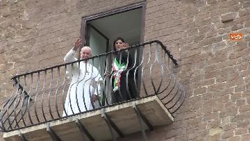 10 - La sindaca Raggi accoglie Papa Francesco in Campidoglio