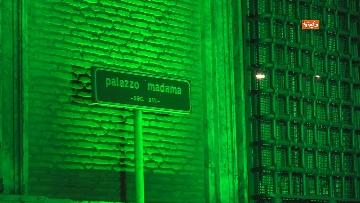 6 - Palazzo Madama illuminato con il tricolore