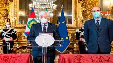 1 - Conte si è dimesso, l'annuncio di Zampetti al Quirinale. Consultazioni da domani