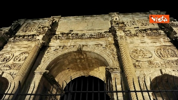 3 - Raggi accende nuova illuminazione dell'Arco di Costantino