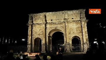 2 - Raggi accende nuova illuminazione dell'Arco di Costantino