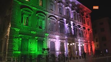 5 - Palazzo Madama illuminato con il tricolore