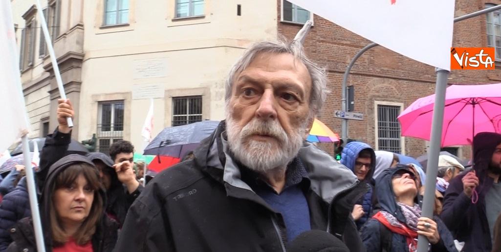 Gino Strada alla manifestazione 25 Aprile a Milano