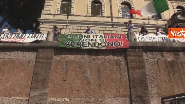 6 - Manifestazione delle Mascherine Tricolore alla Bocca delle Verità a Roma, le foto
