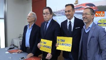 6 - Regionali Piemonte, il candidato del centrodestra Cirio insieme alla lista Si Tav