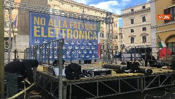 1 - FdI con Meloni in piazza per dire no alla fatturazione elettronica