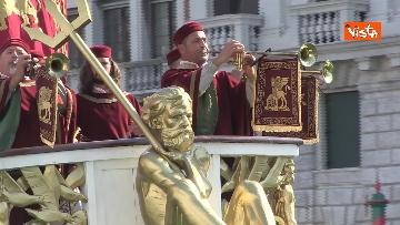 6 - La Regata Storica a Venezia, le immagini dello spettacolare corteo che sfila nel Canal Grande