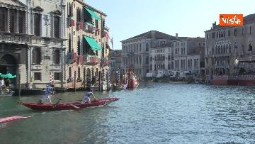 9 - La Regata Storica a Venezia, le immagini dello spettacolare corteo che sfila nel Canal Grande
