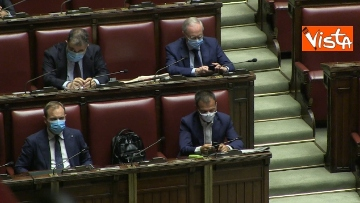 4 - Speranza alla Camera dei Deputati per comunicazioni sull'emergenza Covid