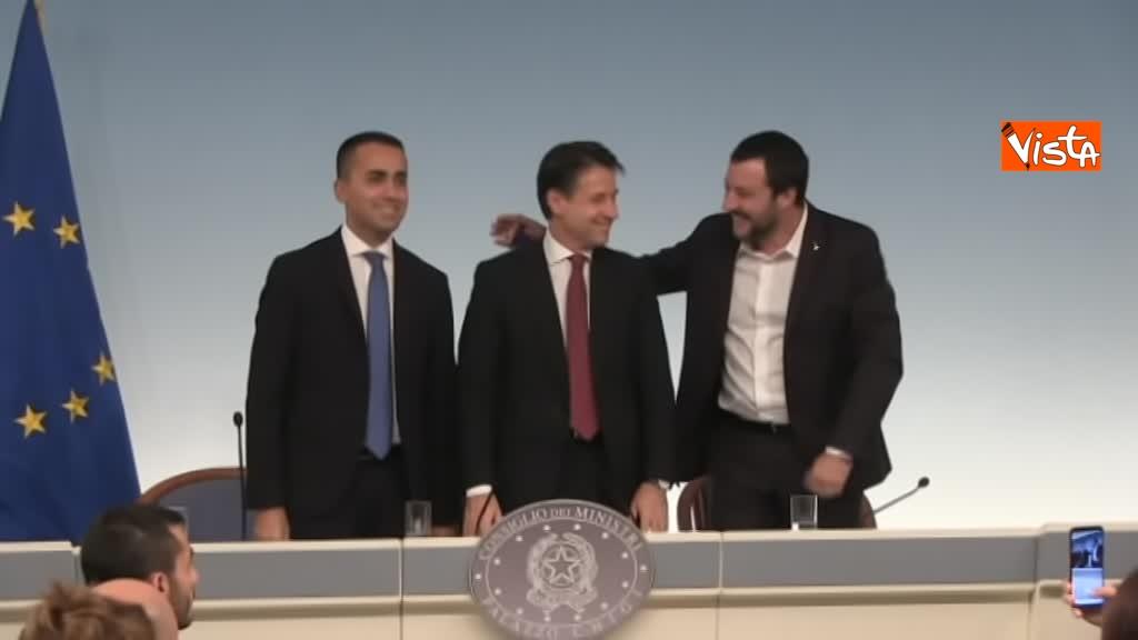 20-10-18 Decreto fiscale Conte Di Maio e Salvlini in conferenza stampa immagine_03
