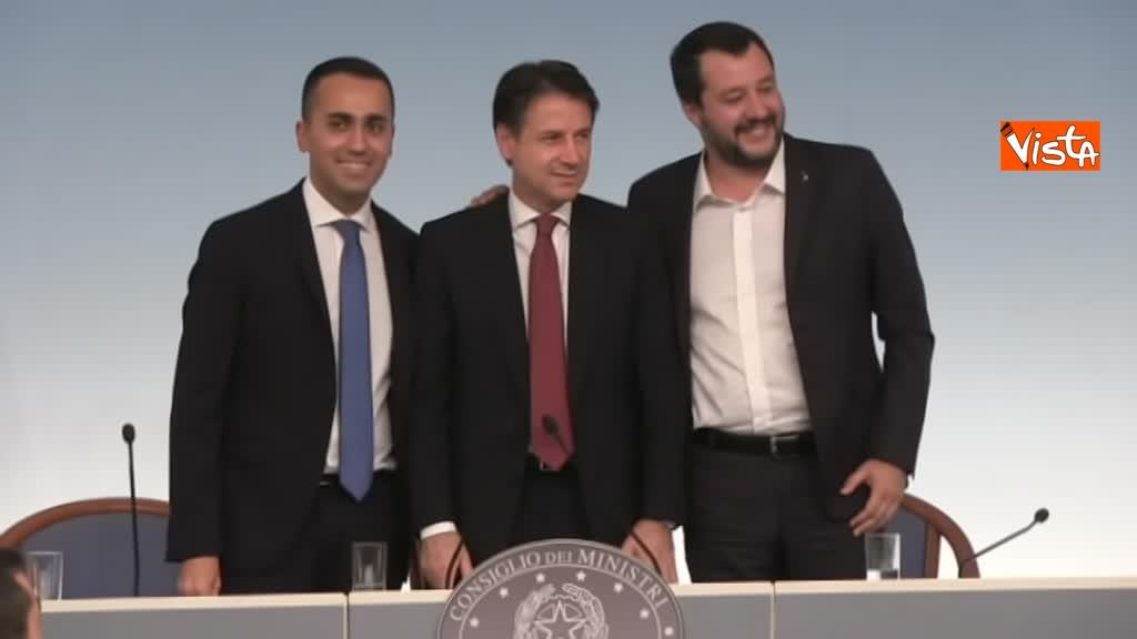 20-10-18 Decreto fiscale Conte Di Maio e Salvlini in conferenza stampa immagine_05