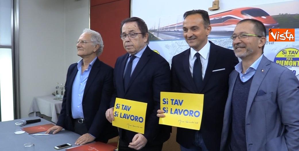 Alberto Cirio in conferenza stampa a Torino