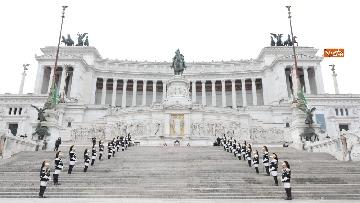 4 - Casellati e Conte depongono corona di fiori all'Altare della Patria per anniversario Unità d'Italia