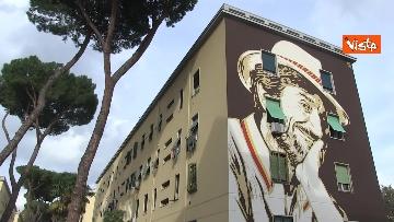 1 - Gigi Proietti sui muri di Roma. I murales omaggio all'attore in giro per la città