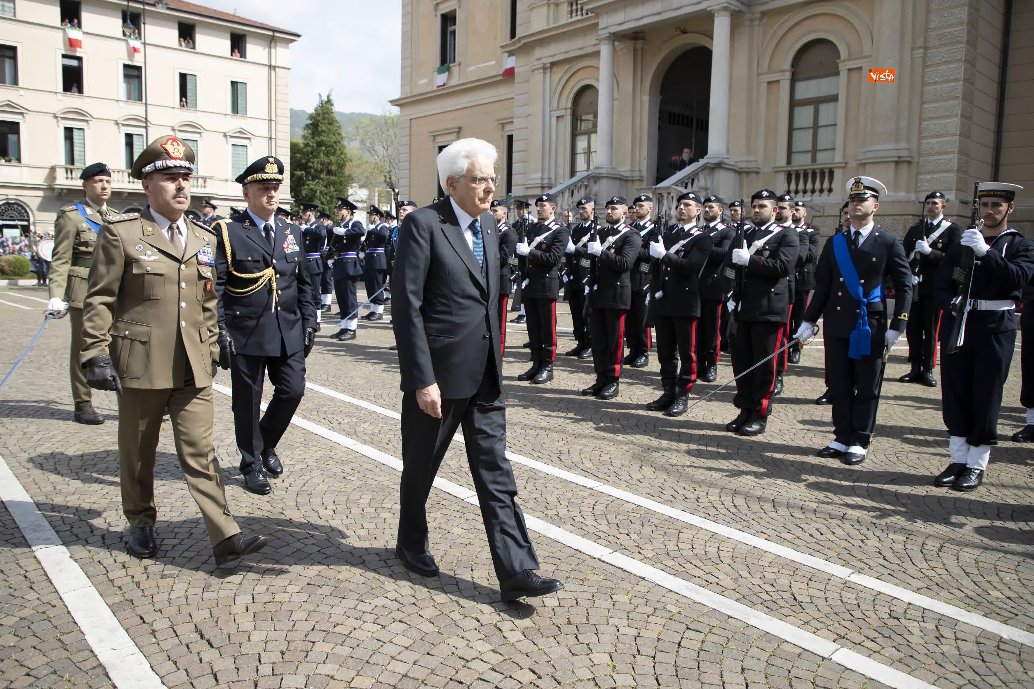 25-04-19 Il Presidente Mattarella assiste alla Cerimonia dell alzabandiera a Vittorio Veneto_02