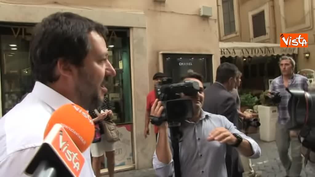 03-09-18 Ministro Interno Matteo Salvini lascia Palazzo Chigi dopo il Consiglio dei Ministri_02