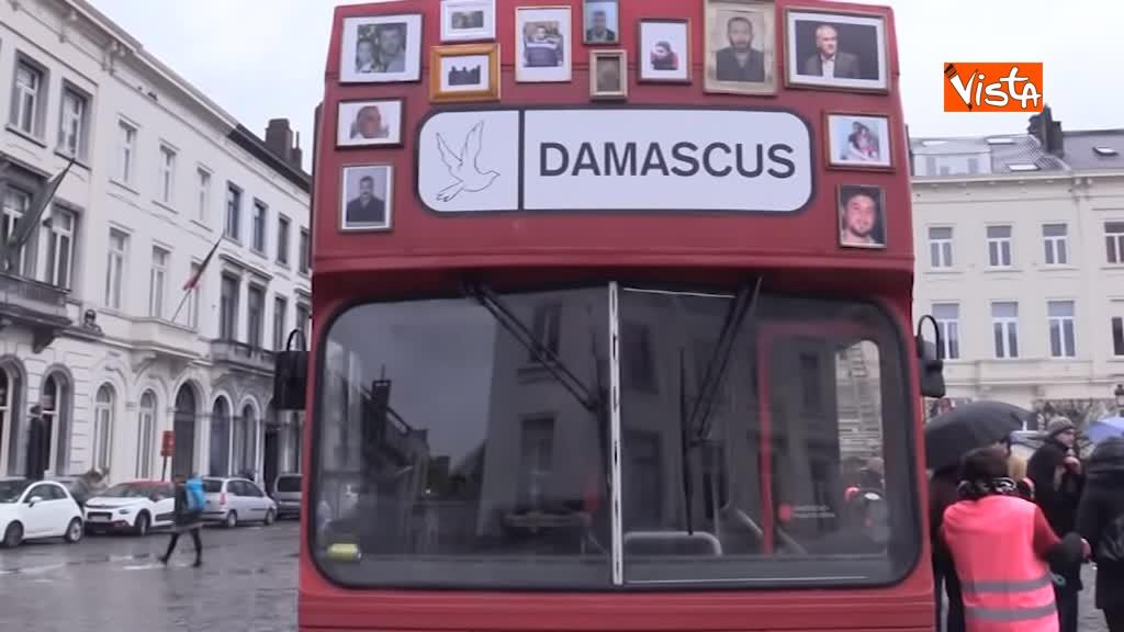 13-03-19 L'autobus della Liberta a Bruxelles, in cerca della verita sugli scomparsi in Siria_02