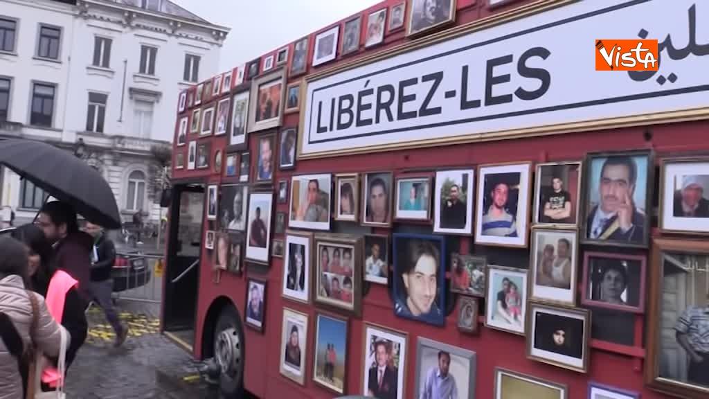 13-03-19 L'autobus della Liberta a Bruxelles, in cerca della verita sugli scomparsi in Siria_03