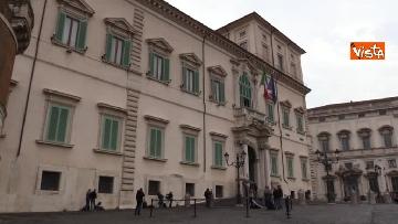2 - Consultazioni, Casellati lascia il Quirinale in auto