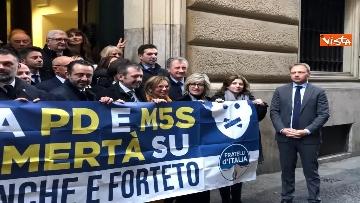 4 - Protesta FdI a Montecitorio sul mancato insediamento commissioni d'inchiesta su banche e Forteto