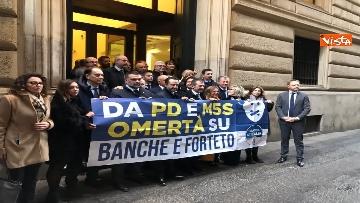 5 - Protesta FdI a Montecitorio sul mancato insediamento commissioni d'inchiesta su banche e Forteto