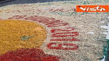 12 - San Pietro e Paolo, tappeto di colori a Via della Conciliazione per la tradizionale infiorata
