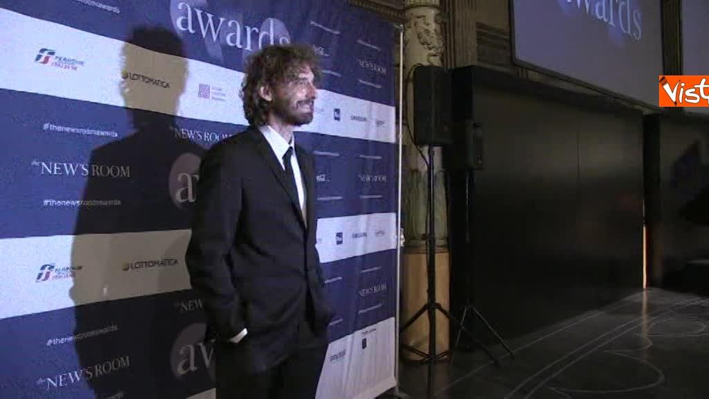 Vespa, Scrosati e Le Iene premiati da The New's Room, il primo bimestrale italiano fatto da Under 35_05