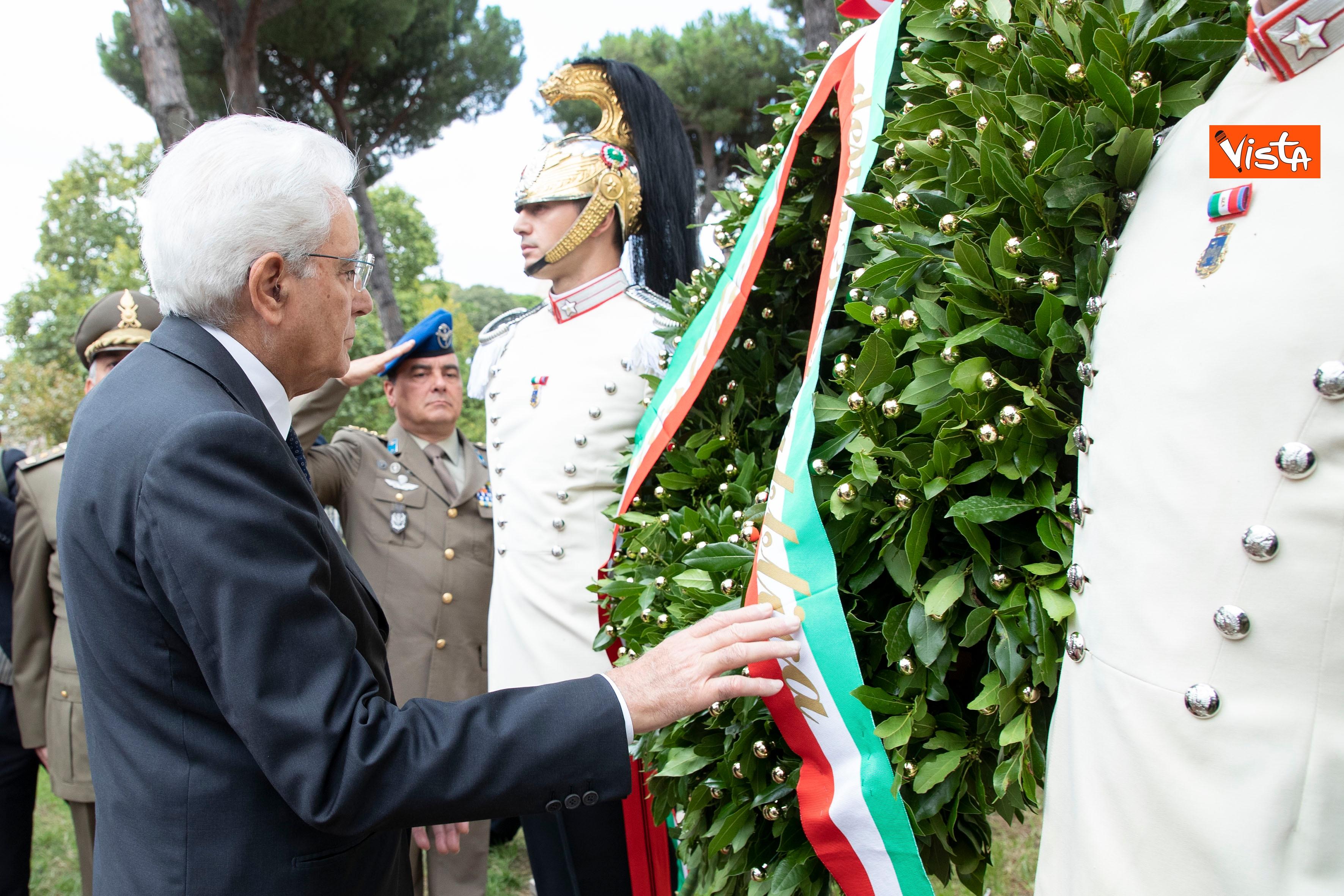 08-09-19 Mattarella depone corona d'alloro a Porta San Paolo per l'anniversario della difesa di Roma_09