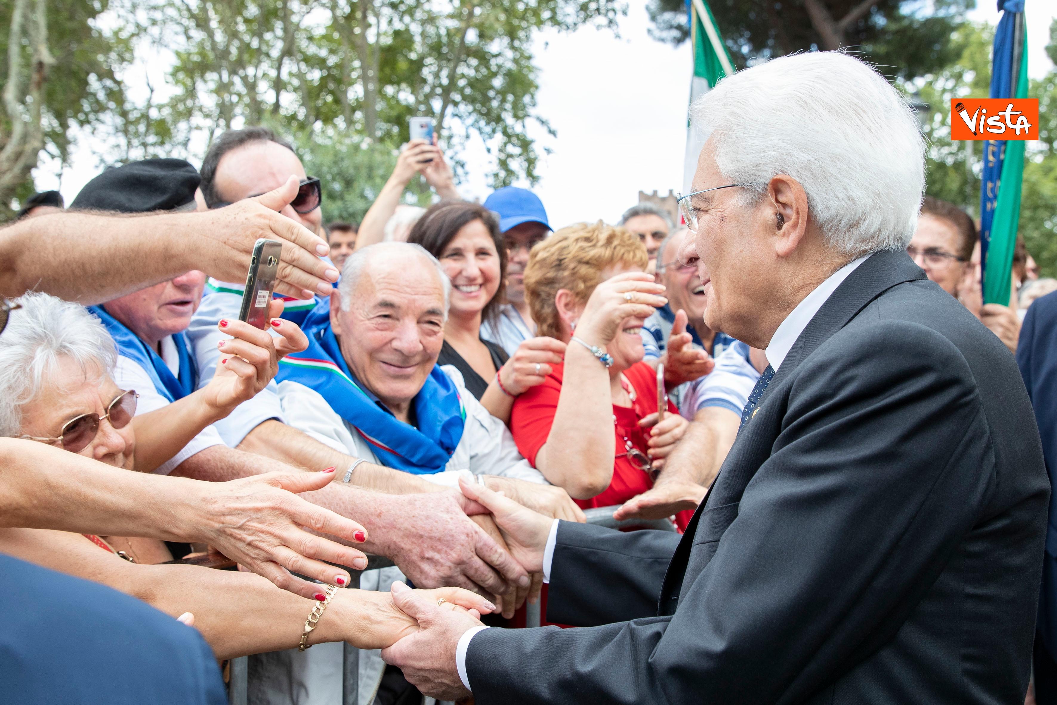 08-09-19 Mattarella depone corona d'alloro a Porta San Paolo per l'anniversario della difesa di Roma_10