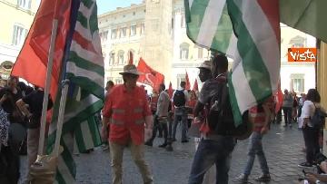10 - Voucher, gli agricoltori in piazza Montecitorio contro il reinserimento, le immagini