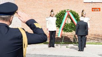 4 - Mattarella depone corona d'alloro a Porta San Paolo per anniversario difesa di Roma 8 settembre