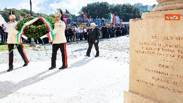 2 - Mattarella depone corona d'alloro a Porta San Paolo per anniversario difesa di Roma 8 settembre