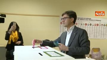 7 - Comunali Firenze, il voto del candidato sindaco Nardella