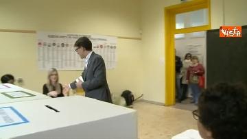 5 - Comunali Firenze, il voto del candidato sindaco Nardella