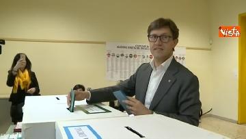 8 - Comunali Firenze, il voto del candidato sindaco Nardella
