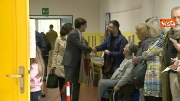 2 - Comunali Firenze, il voto del candidato sindaco Nardella