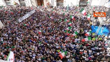 2 - La manifestazione in piazza Montecitorio contro il nuovo Governo