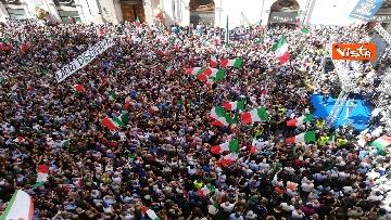 8 - La manifestazione in piazza Montecitorio contro il nuovo Governo