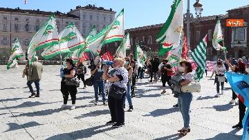 2 - Presidio lavoratori Dussmman Service in piazza Castello a Torino