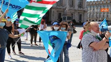 7 - Presidio lavoratori Dussmman Service in piazza Castello a Torino