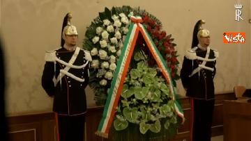 1 - Il presidente della Repubblica Mattarella omaggia la camera ardente dell'On Ossicini