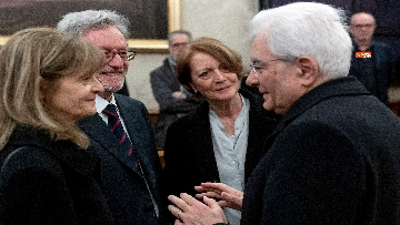 7 - Il presidente della Repubblica Mattarella omaggia la camera ardente dell'On Ossicini
