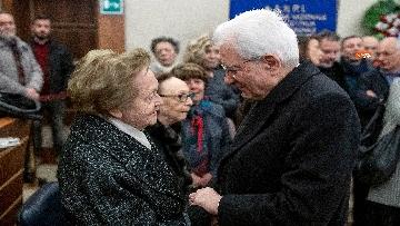 8 - Il presidente della Repubblica Mattarella omaggia la camera ardente dell'On Ossicini