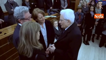 3 - Il presidente della Repubblica Mattarella omaggia la camera ardente dell'On Ossicini